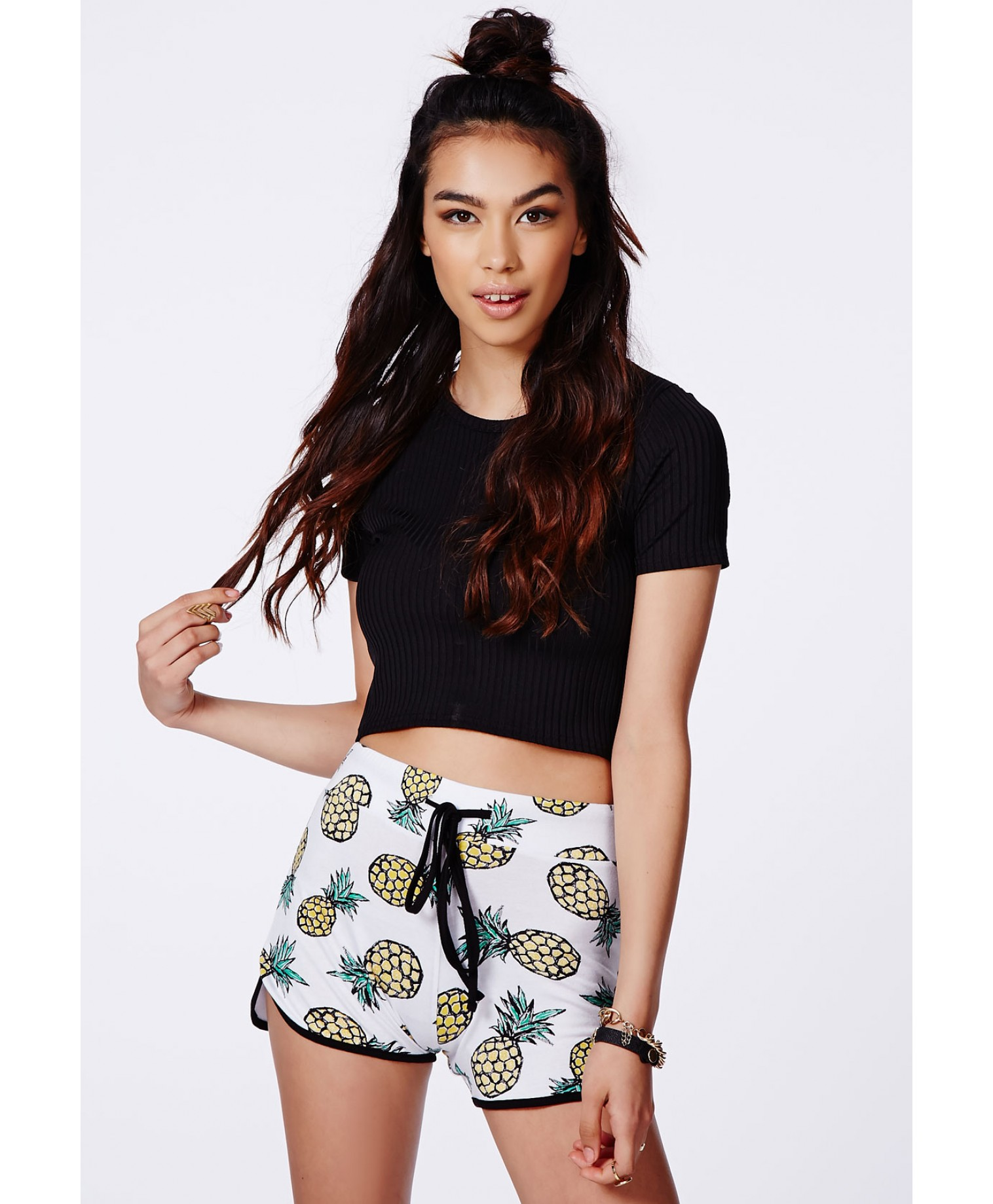 KETANA PINEAPPLE PRINT RUNNER SHORTS//MISSGUIDED.COM $14.38