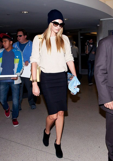 Candice Swanepoel Beanie Skirt Sweater Booties The Lifestyle Reporter