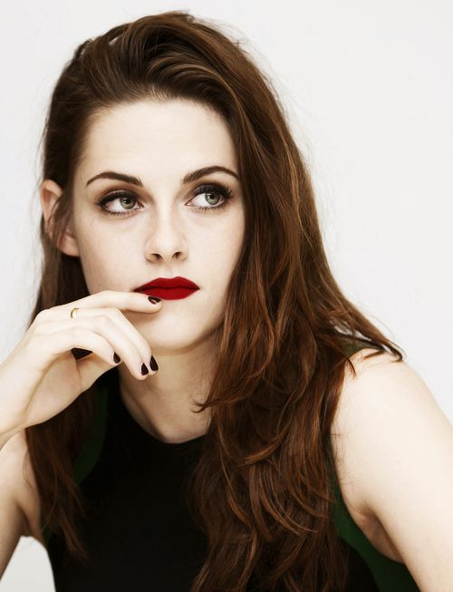 Kristen Stewart Dark Red Lips Vampy