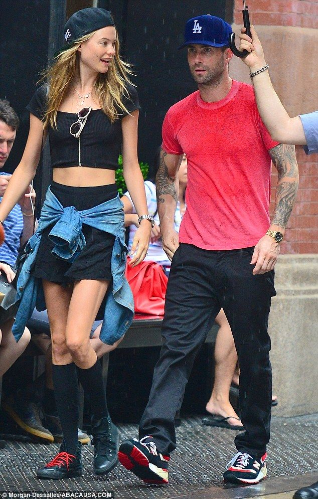 Behati Prinsloo Black Crop Top Shirt Chambray Top Hat Style