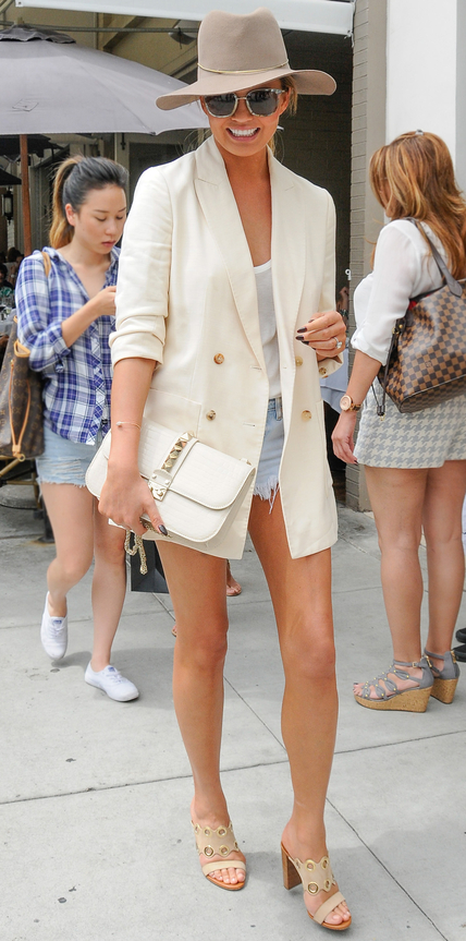 Chrissy Teigen White T Shirt Denim Shorts Ivory Shorts Model Style