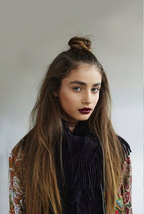 Taylor Hill Top Knot Bun Hairstyles Fun Hair Looks Nineties Grunge Hair Ideas