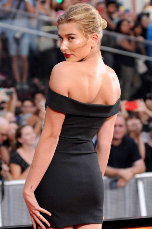 Hailey Baldwin Black Dress Back Elizabeth and James Kristelle Model Style