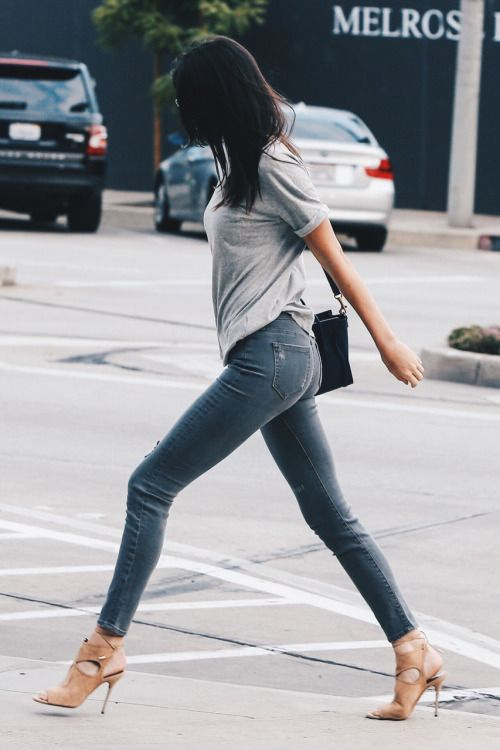 Kendall Jenner Gray Shirt Jeans Nude Heels Style