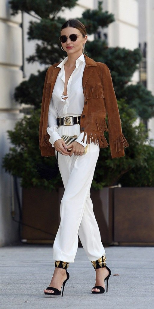 Miranda Kerr Fringed Jacket White Shirt Jeans Model Style