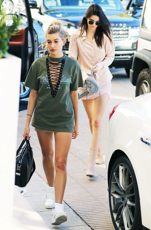 Hailey Baldwin Lace Up Shirt Kendall Jenner Blush Skirt Top