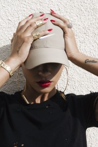 baseball hat red nails gold lotd