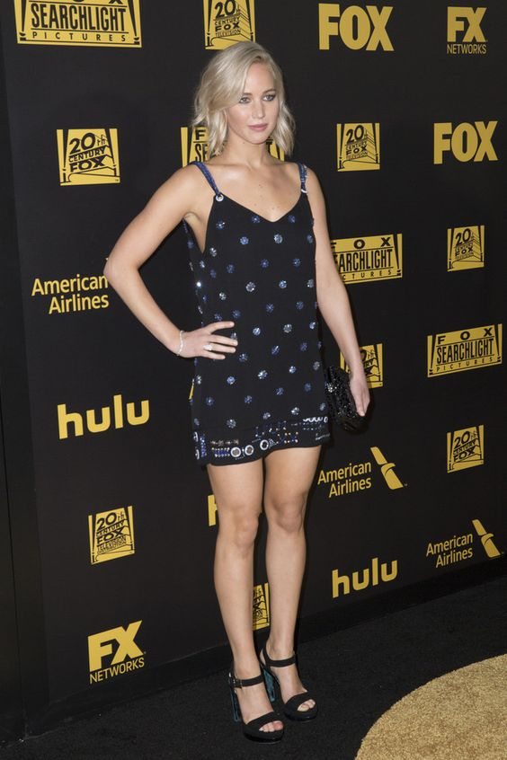 jennifer-lawrence-patterned-dress-and-chunky-heels